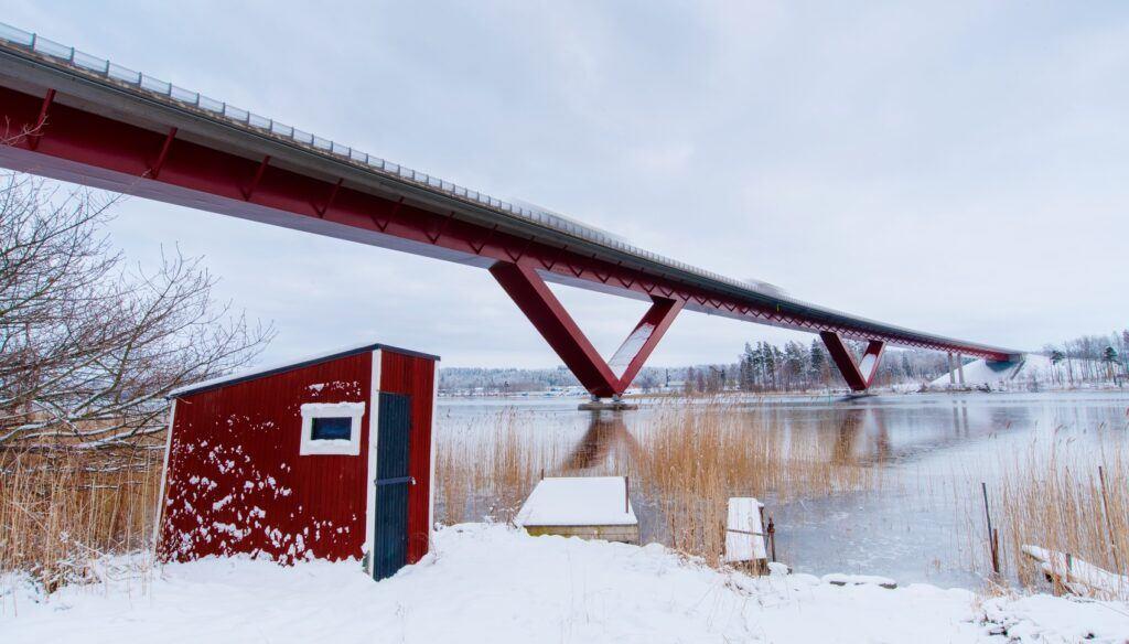 Motalabron en vintrig dag